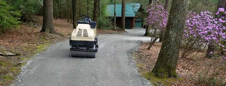 Dirt road roller